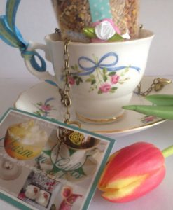 Blue Ribbon and Roses Tea cup bird feeder